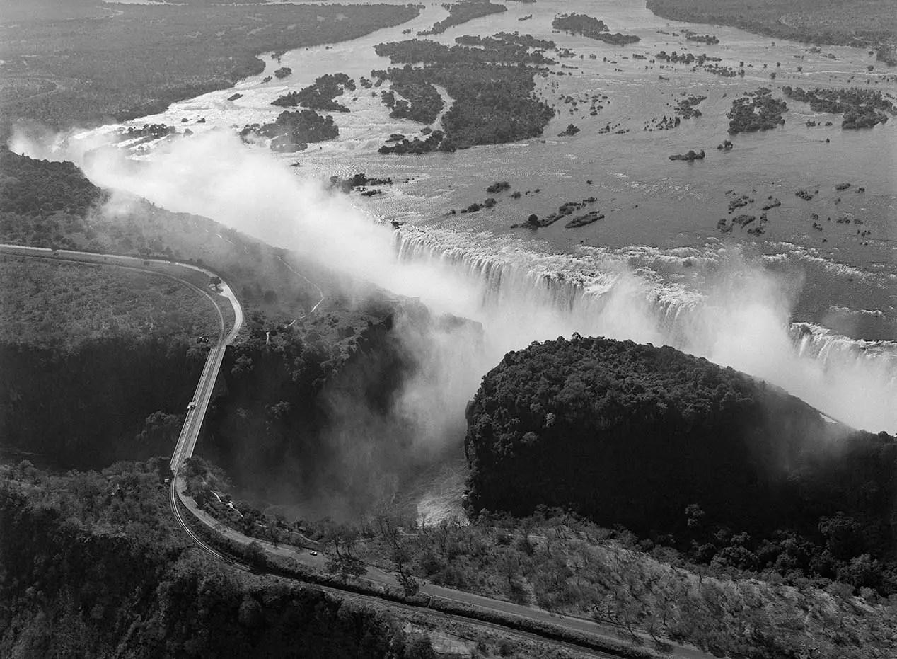 Victoria Falls, Zimbabwe - ILFORD HP5 PLUS in Pyro PMK. Pentax 67II 45mm