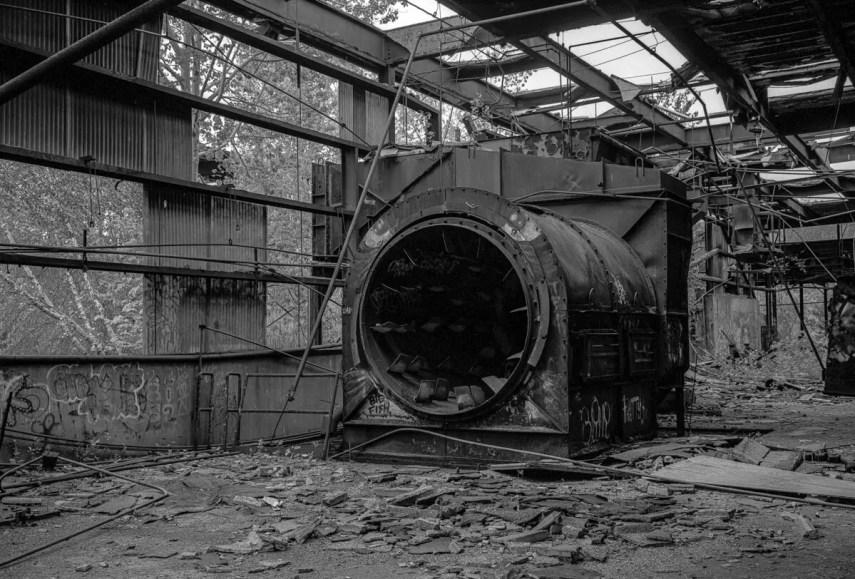 Abandoned Factory, Monroe CT 2019 - Fuji GW 690II, ILFORD HP5 PLUS