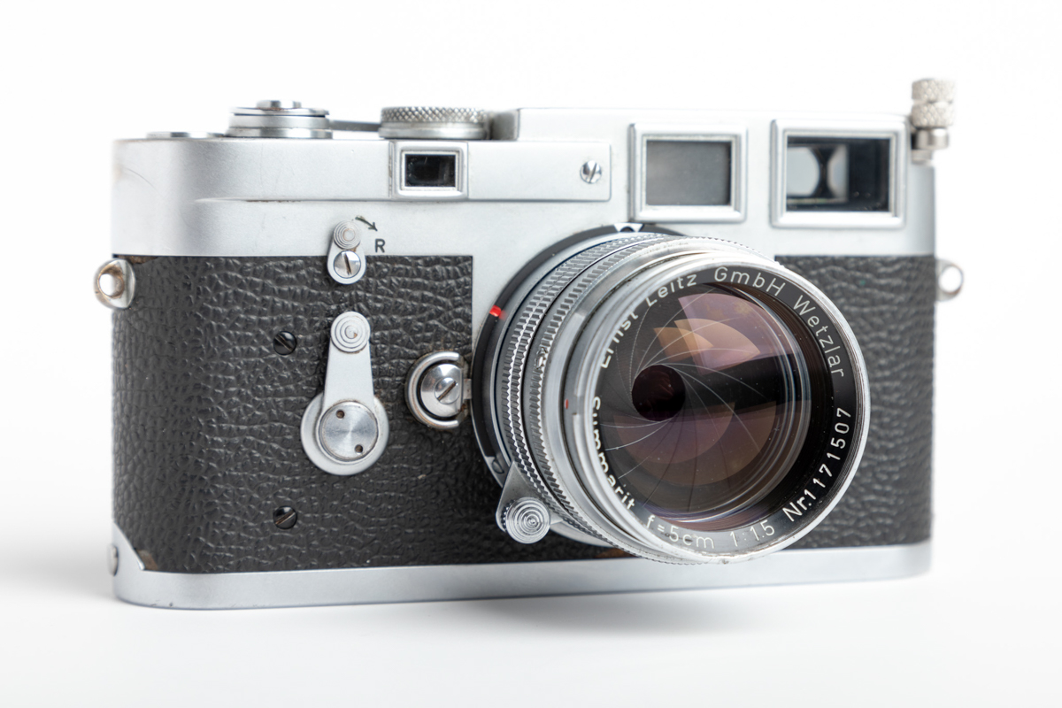 Silver chrome Leica M3 and Leitz 5cm f/1.5 Summarit - Front left