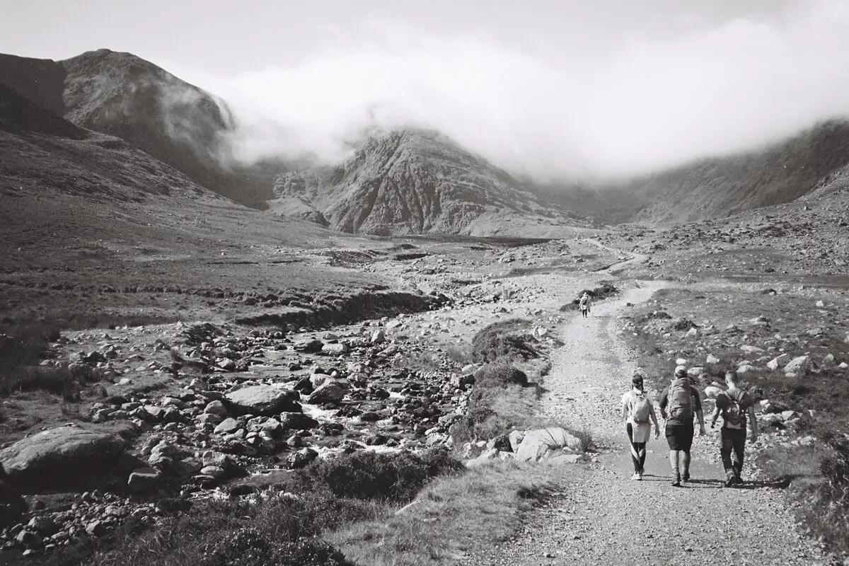 5 Frames... Climbing County Kerry's Carrauntoohil on Fomapan 100 Classic (35mm Format / EI 100 / Olympus XA2) - by Jannik