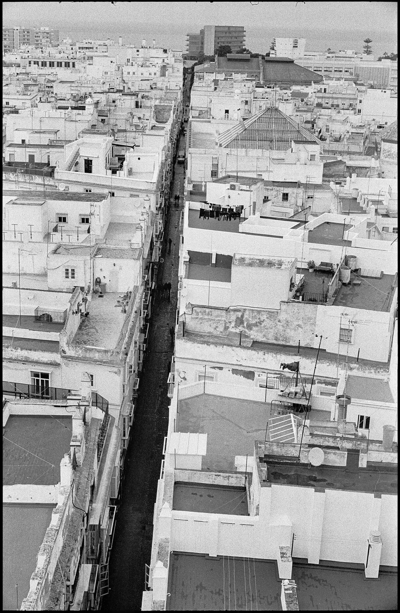 Cadiz, Spain - Leica R6 + Leica 60mm Macro-Elmarit f-2.8, Kodak 5222 Double-X 5222