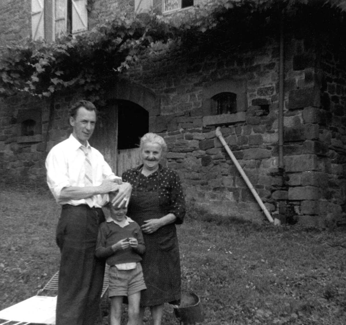 1963 - Dad with kid brother and the landlady