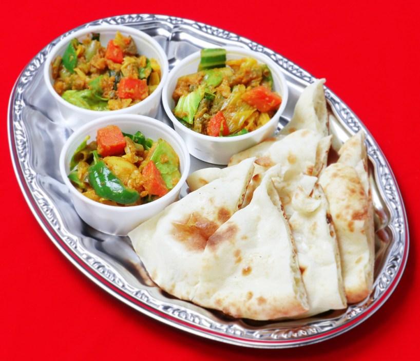 ドライカリーとナンプレート/Drycurry & Naan plate