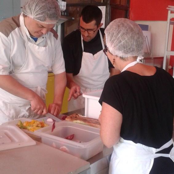 Cours de cuisine - coupe des légumes - En Chemin - Hyères