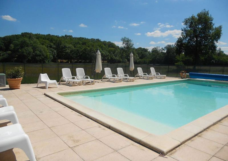 La piscinee exterieure chauffée