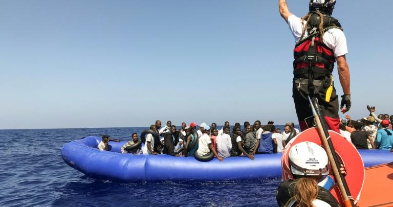 Photo of 400 migrants rescued in the Mediterranean