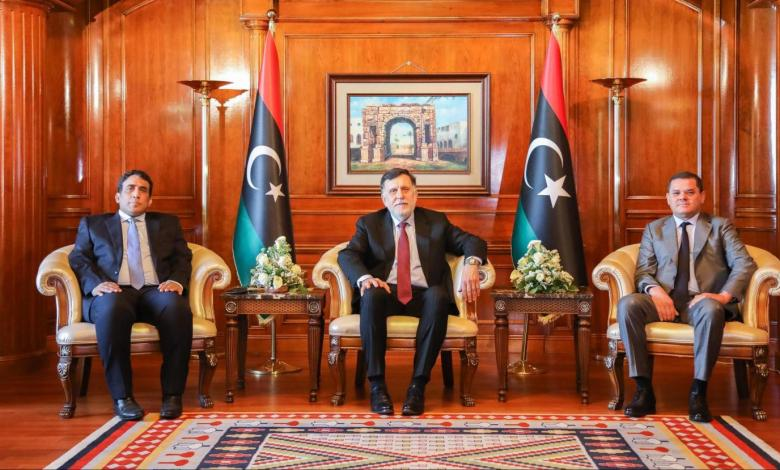 Photo of Al-Sarraj hands over power to Dbeibah's government