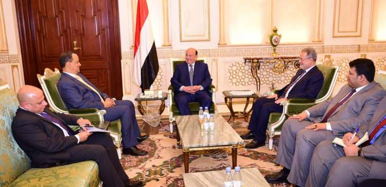 President receives UN Envoy to Yemen,confirms commitment to reach peace on three basis