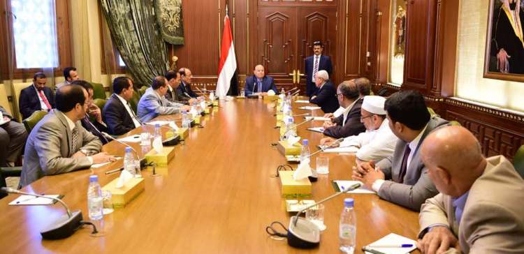 President holds a meeting with heads of parliamentary blocs