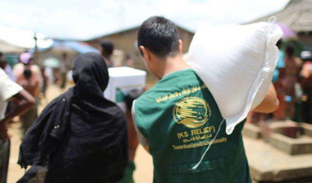 KSRelief Inspects Food Aid Distribution Centers in Aden, Yemen