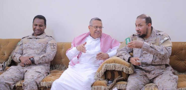 Prime Minister visits HQs of Saudi and Emirati forces in Aden