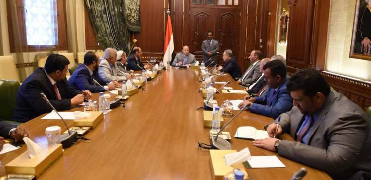 President Hadi presides over a meeting includes his advisers