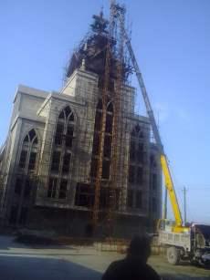The forcible removal of cross of Shenjiagang Church in Long'an, Anyang, Henan. (Photo 2)