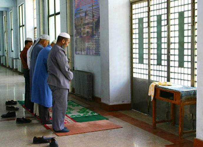 Prayers at Dongguan mosque