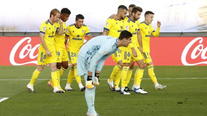 Real Madrid caught napping as Lozano seals historic win for Cádiz - AS.com