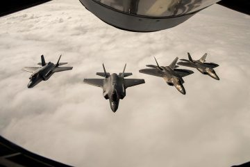 USAF F-22 train with royal norwegian air force F-35
