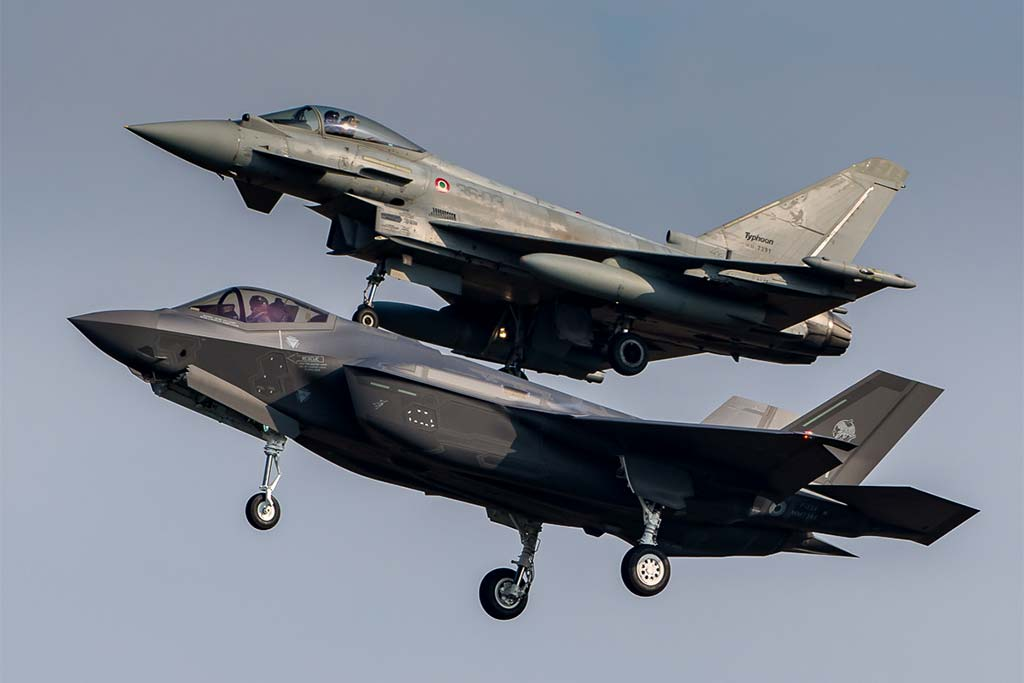 italian F-35A chased by eurofighter