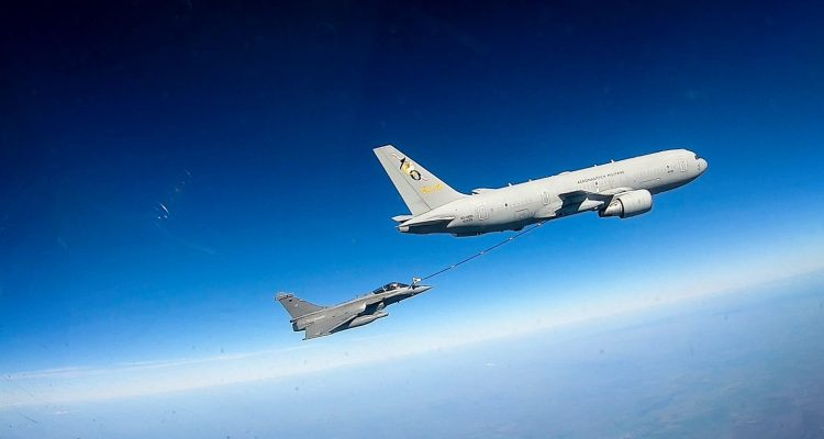Italian KC-767 and French Rafale