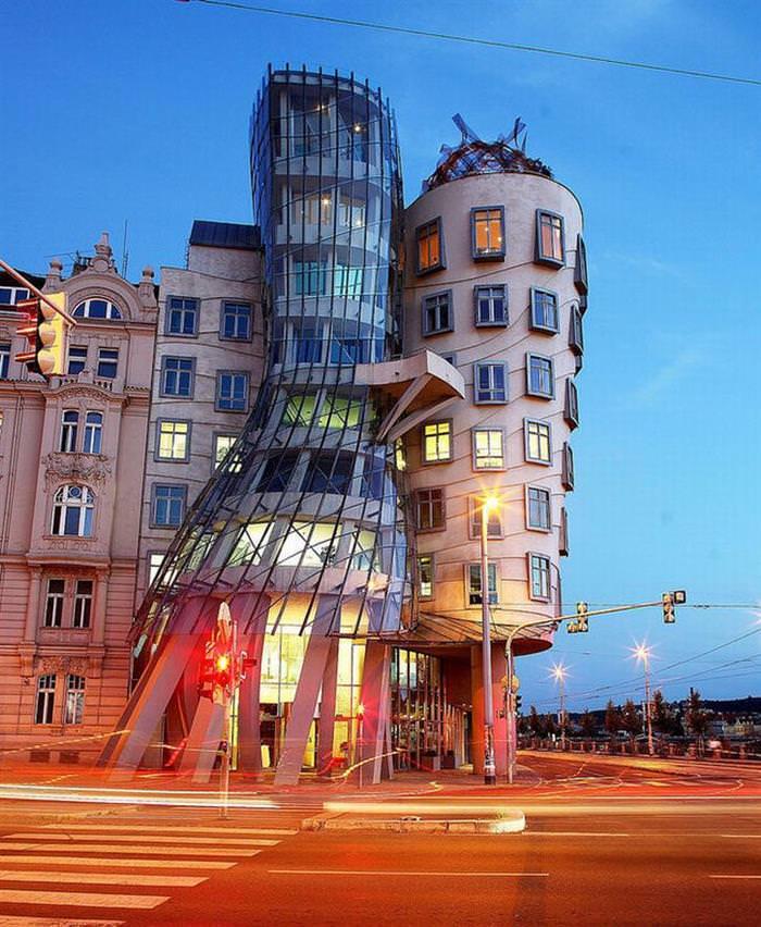 15 κτίρια που θα σας αφήσει λίγο ζαλισμένος!