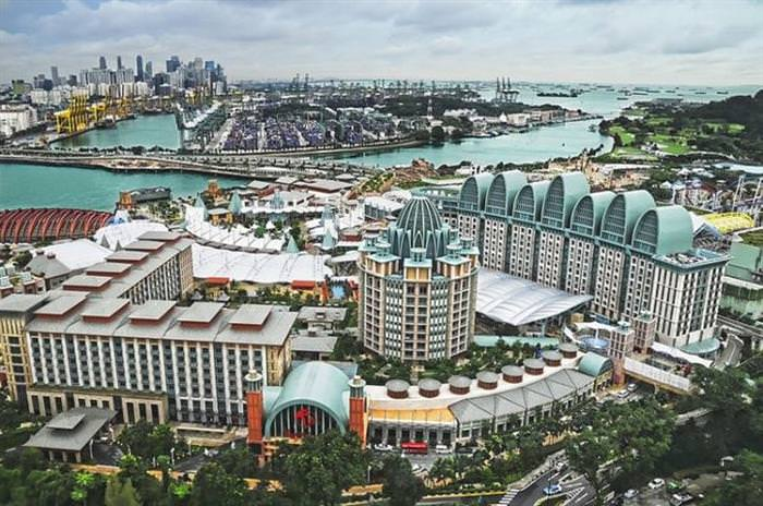 10 Amazing Places to Visit While in Singapore