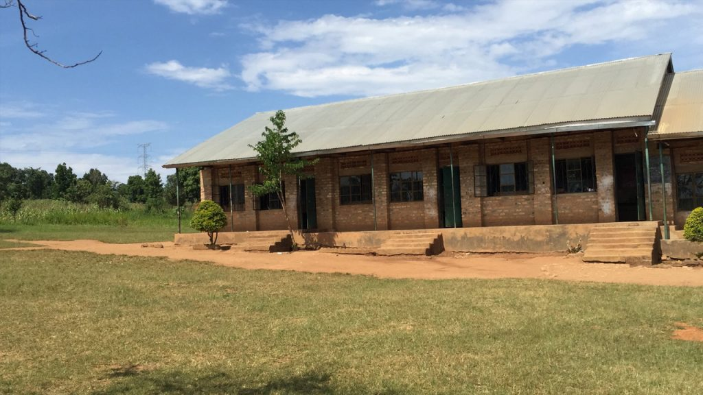 The school at the equator which has been financed by Better Globe, 180703