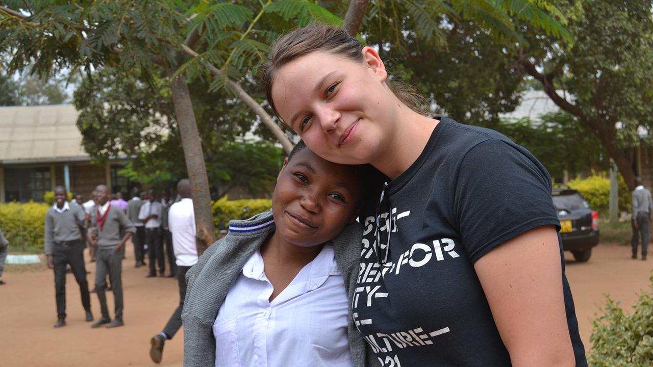 School visit in Kaewa