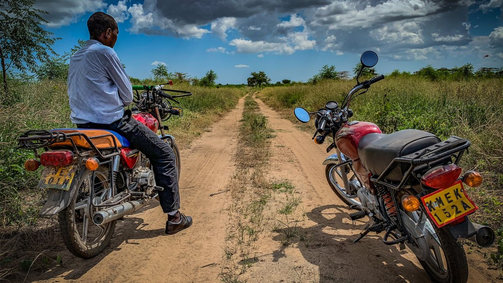 Wallace had to pick Torgny up a bit outside the plantations. Photo: Torgny Johnsson