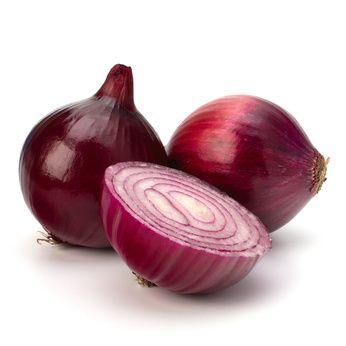Onion: healing remedy and beauty secret