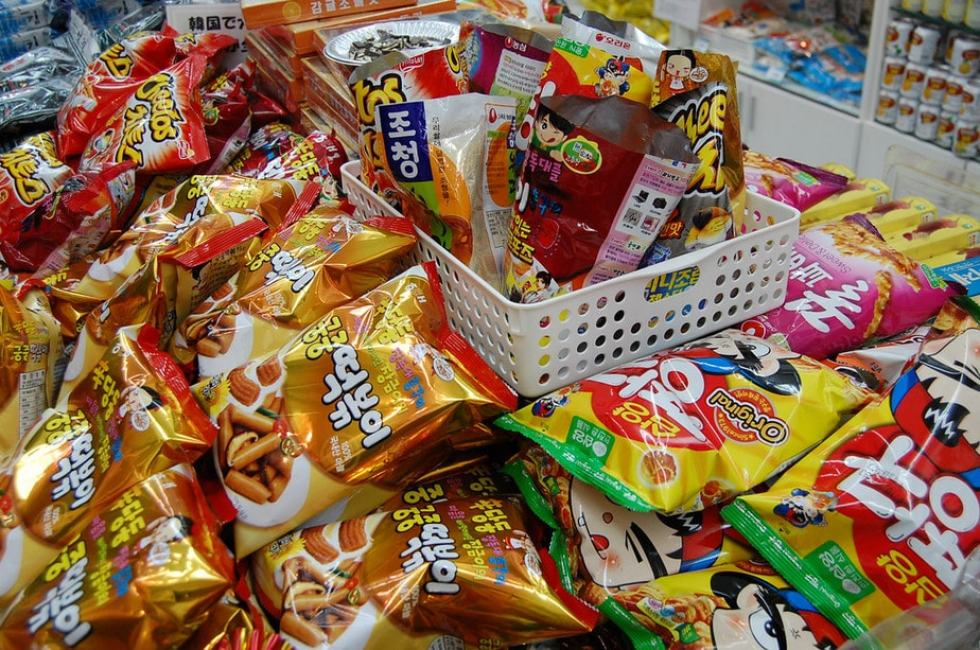cheap things to buy in korea: snacks