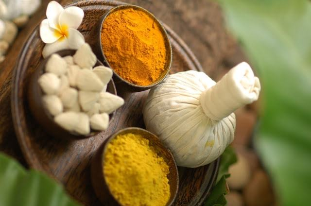 Integration of spices into massages