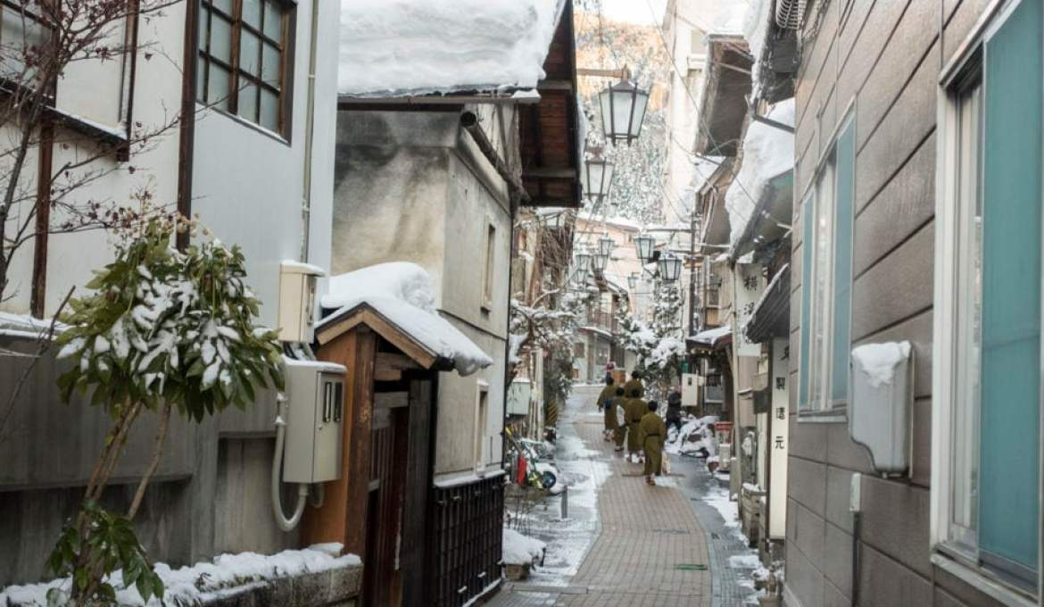 4 Hot Springs in Japan You Have to Check Out