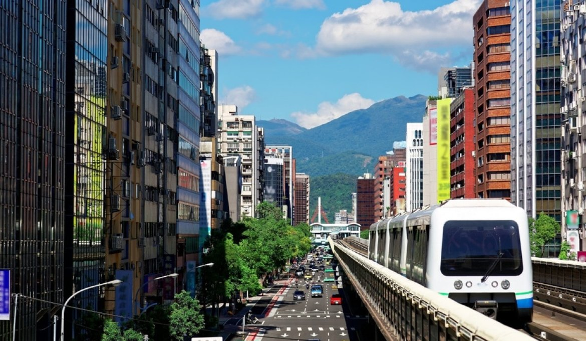 Taipei Transportation Guide: Buses, MRT, Bikes, and the