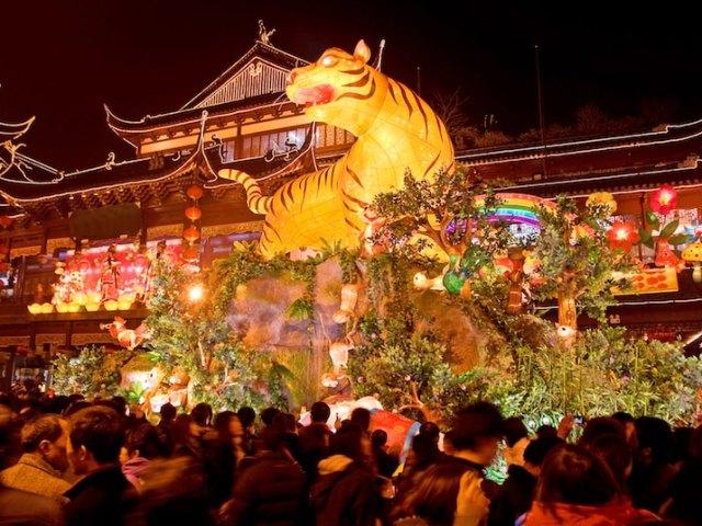 Chinese New Year in Shanghai: Yuyuan Gardens Lantern Festival