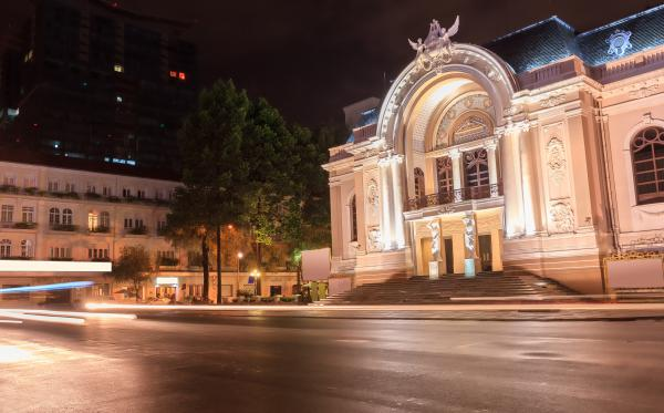 Saigon Day Trips and Attractions: The Opera House4