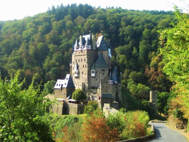 5 Most Hauntingly Beautiful Castles In Europe You Can Visit