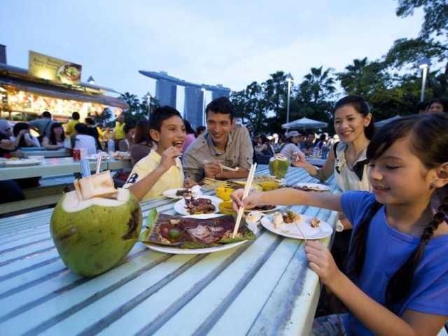 7 Best Dining Experiences For The Family In Singapore