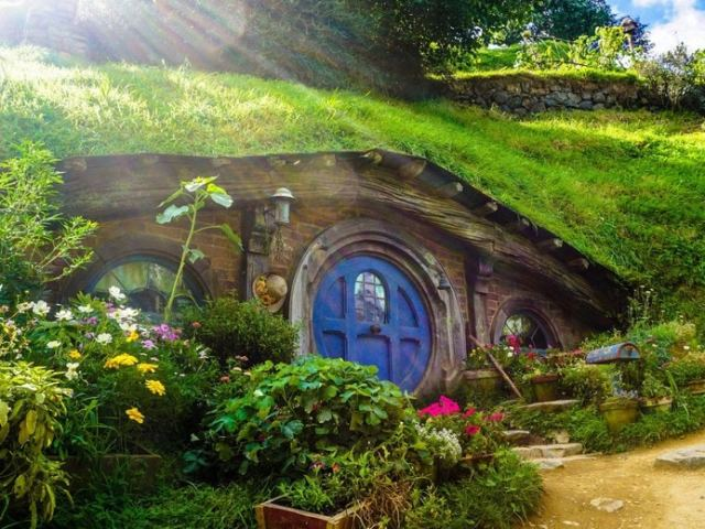 A Glimpse Into Middle-Earth: A Lord of the Rings-Themed Tour Experience