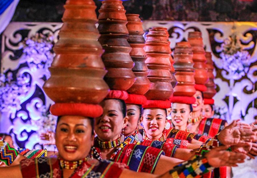 Cultural dance performance at Villa Escudero