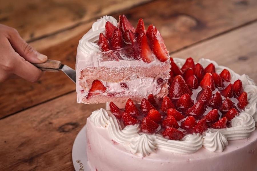 Strawberry Shortcake Vizco's Restaurant and Cake Shop