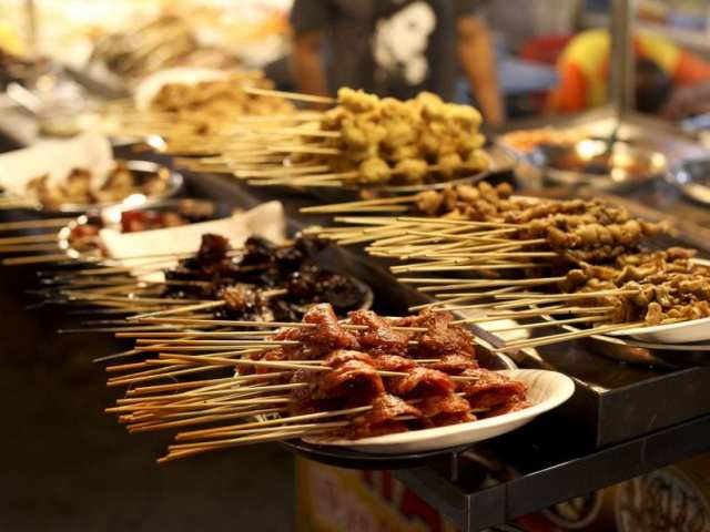 Taste Rich Asian Flavors: What To Eat in Kuala Lumpur