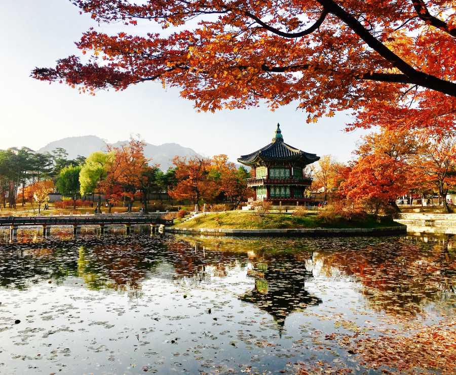 Hyangwonjeong Pavilion (image via shutterstock)