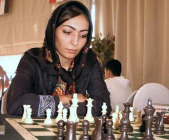 https://i2.wp.com/en.chessbase.com/portals/4/files/news/2005/paridar01.jpg