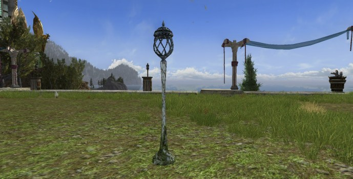 Lórien Lantern Post