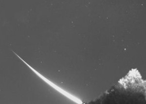 October 17 meteor via Wes Jones.  Used with permission.