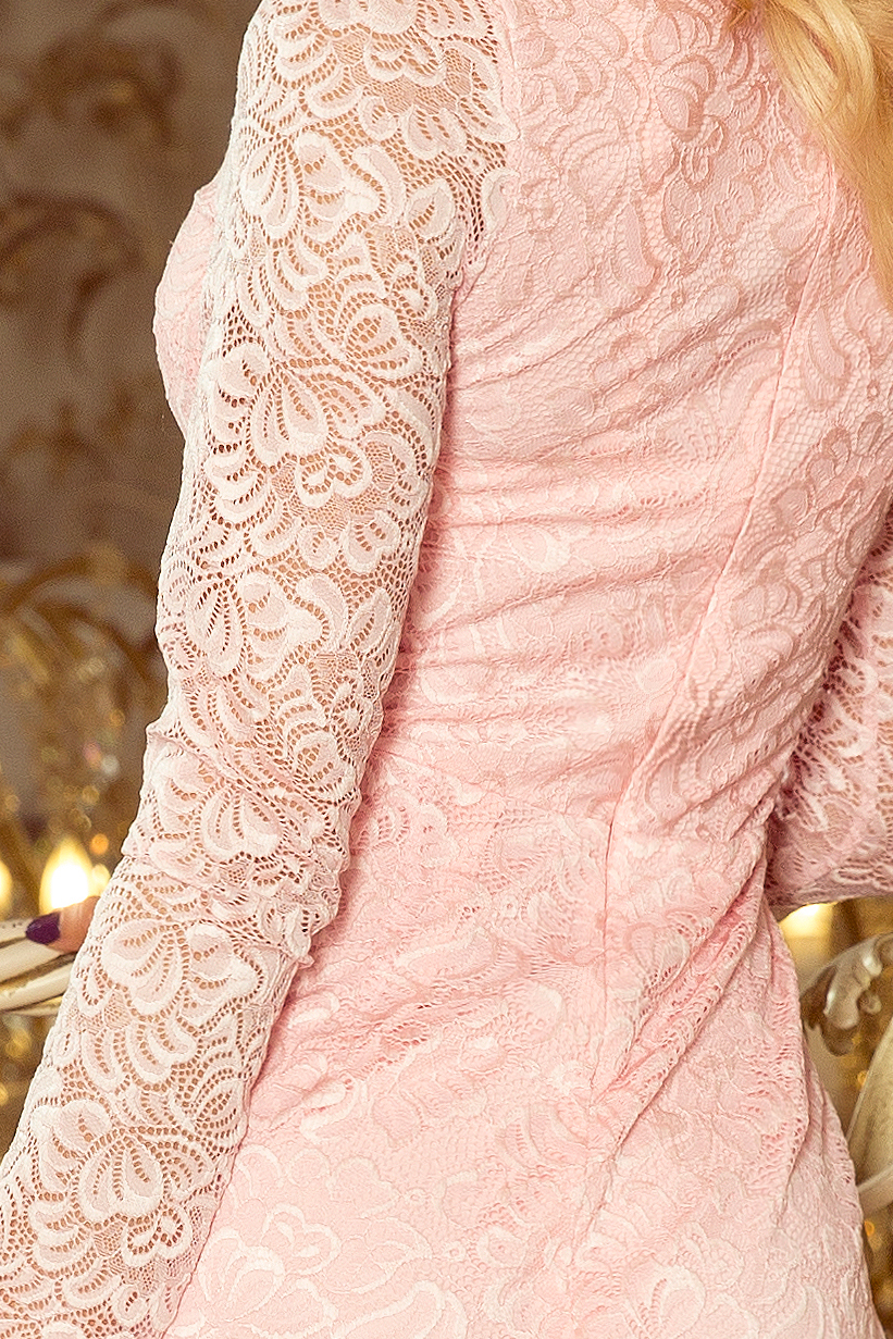 lace pink detail -
