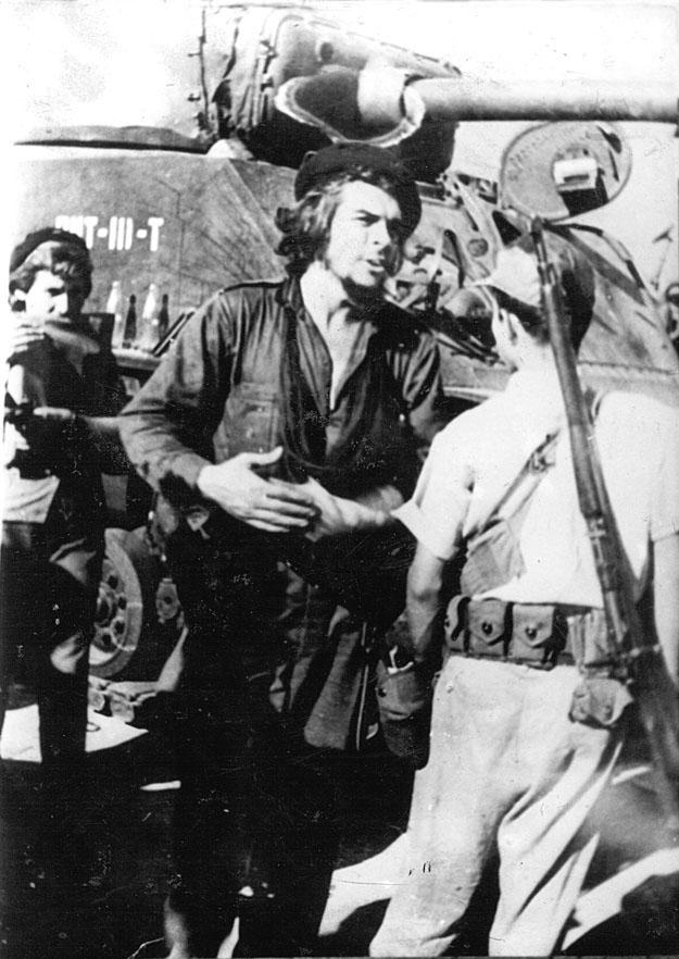 Comandante Ernesto Che Guevara in the Battle of Santa Clara, December, 1958. Photo: Perfecto Romero