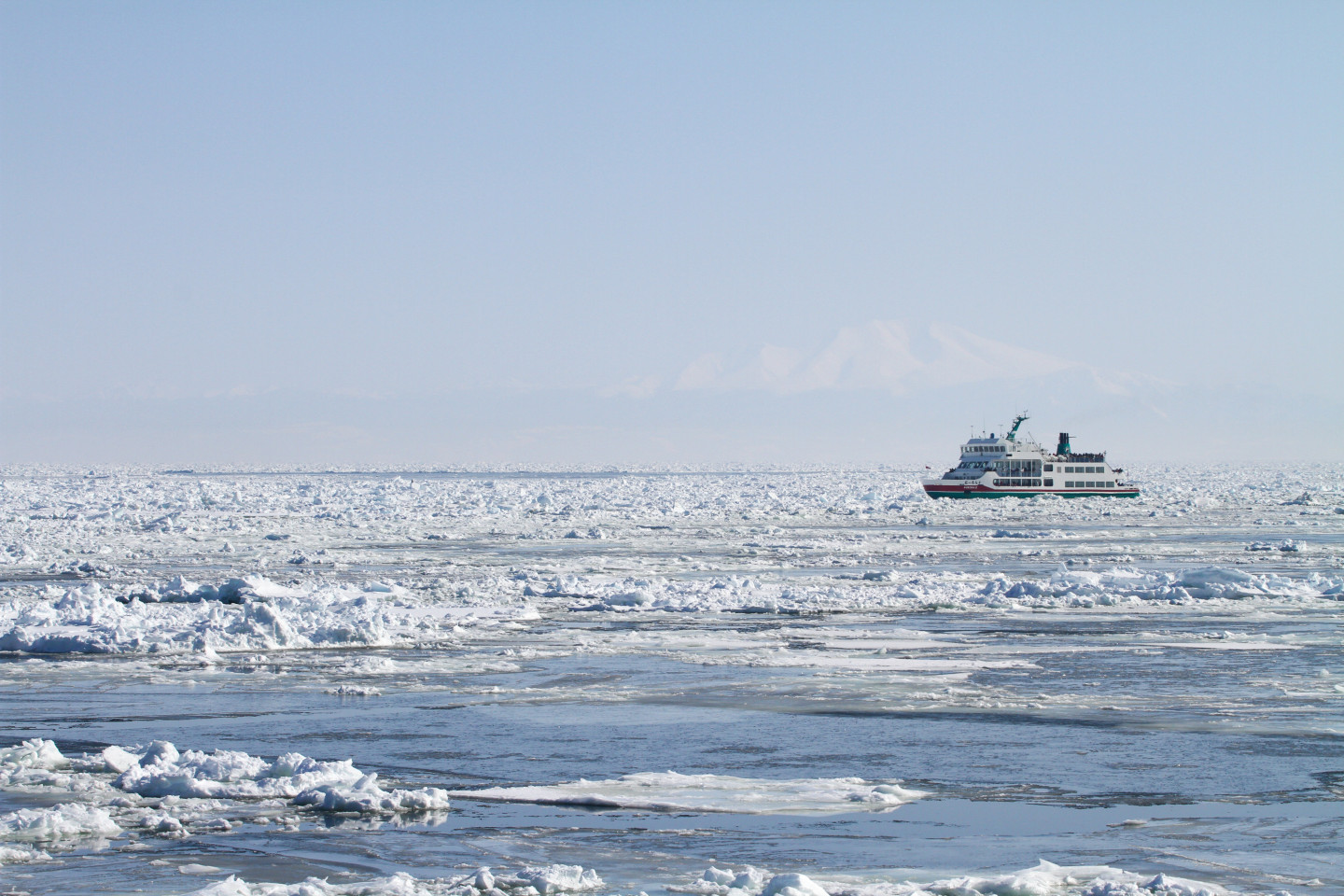 How do you enjoy ice? By taking an ice floe walk from an ice sightseeing boat!