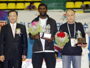 2011-05-06_(2393)x_PhotoWTF_Gyeongju_taekwondo_Day6_09