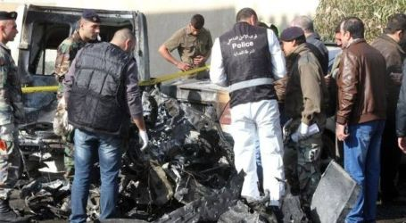 CAR BOMB EXPLOSION IN BEIRUT INJURES 10