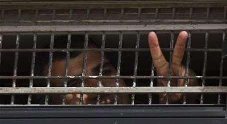 AT LEAST 6,200 PALESTINIAN PRISONERS IN ISRAELI JAILS